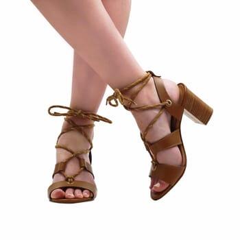 vue portee sandales hautes lacees cuir camel jules & jenn