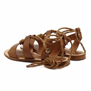 vue arriere sandales plates lacees cuir camel jules & jenn