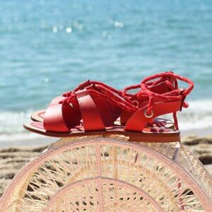 vue posee sandales plates croisees cuir corail jules & jenn