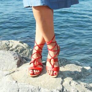 vue portee sandales plates croisees cuir corail jules & jenn