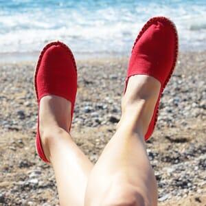 vue portee espadrilles toile de coton rouge jules & jenn