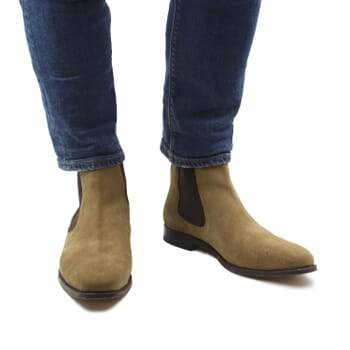 vue portee interieure chelsea boots cuir daim beige jules & jenn