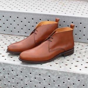 vue posee desert boots cuir cognac jules & jenn