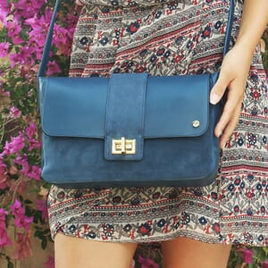 vue portee sac bandouliere cuir bleu jules & jenn