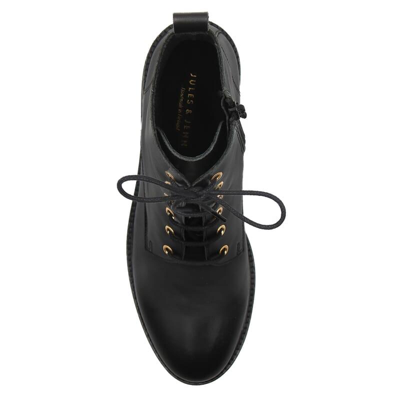 vue dessus bottines plates a lacets cuir noir jules & jenn