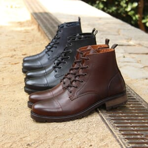 vue posee ranger boots cuir graine marron jules & jenn