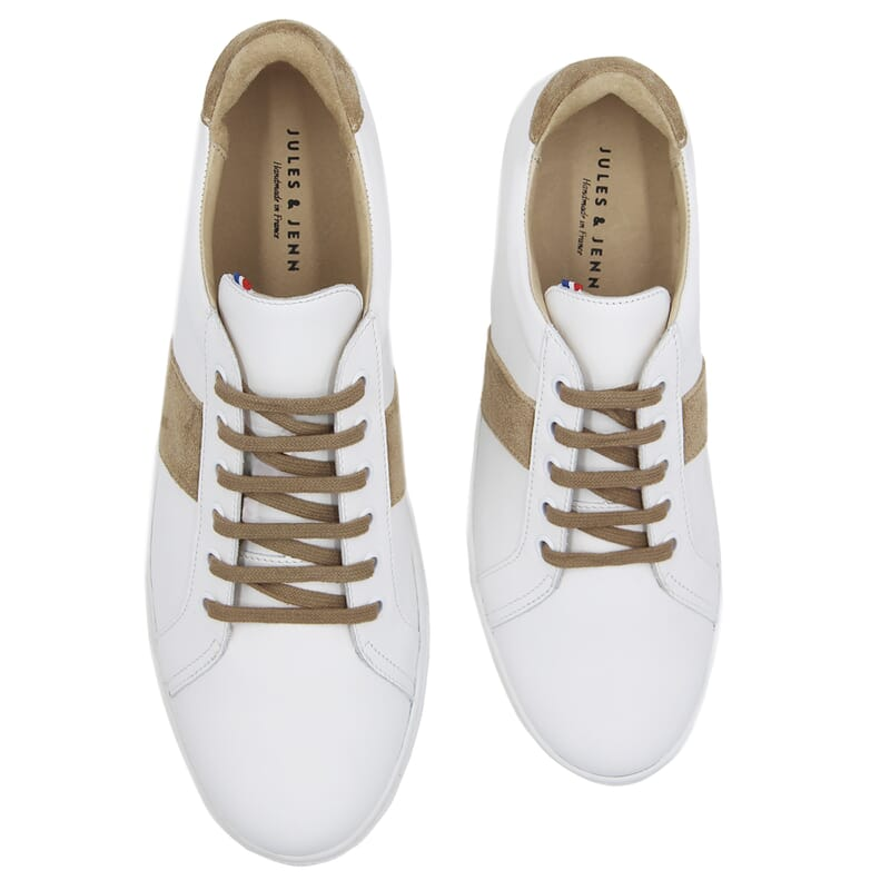 vue dessus baskets a lacet cuir blanc & beige jules & jenn