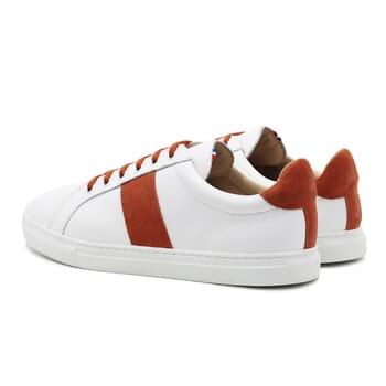 vue arriere baskets a lacet cuir blanc & orange jules & jenn