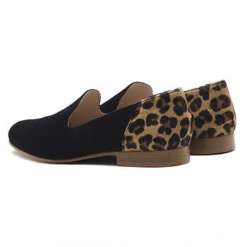 vue arriere slippers classiques cuir daim noir et leopard jules & jenn