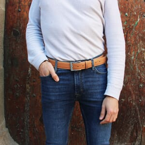 vue portee ceinture classique cuir daim beige jules & jenn