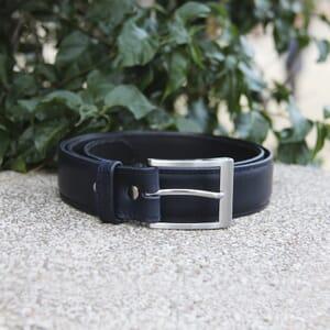 vue posee boucle ceinture classique cuir bleu jules et jenn