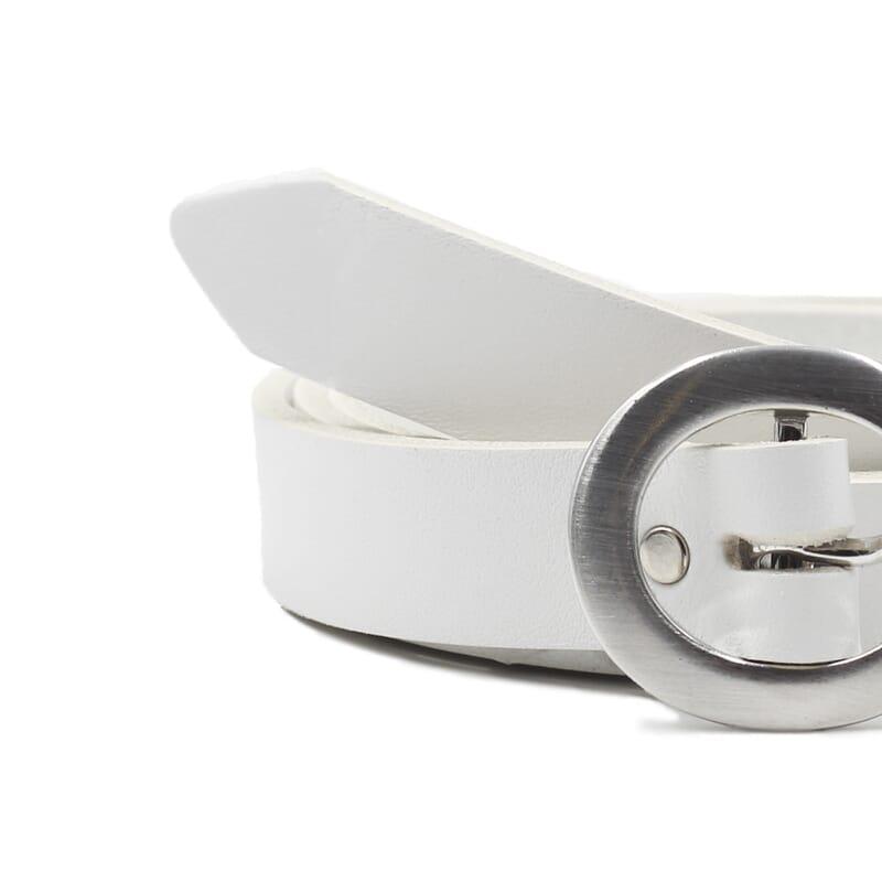 gros plan ceinture fine cuir blanc jules&jenn