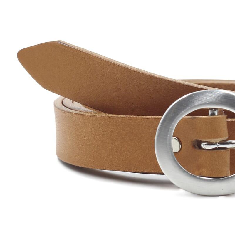 gros plan ceinture fine cuir camel jules&jenn