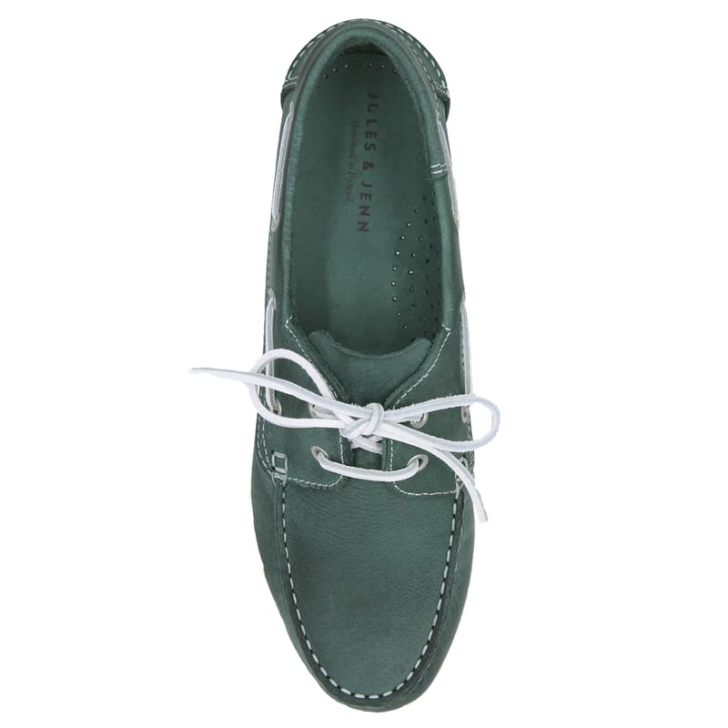 vue dessus chaussures bateau cuir vert jules & jenn