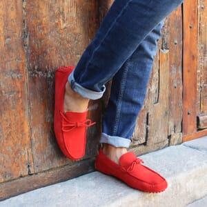 vue portee mocassins lacets homme cuir daim rouge jules & jenn
