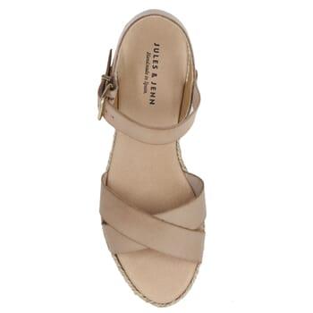 vue dessus sandales compensees cuir beige jules & jenn