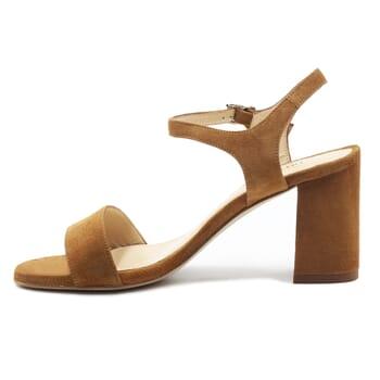 vue interieur sandales à talon cuir daim camel jules & jenn