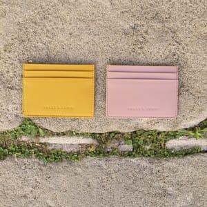 vue multiproduits Porte-carte cuir upcyclé moutarde jules & jenn