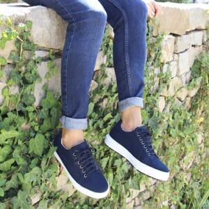 vue portée baskets recyclees femme bleu jules & jenn