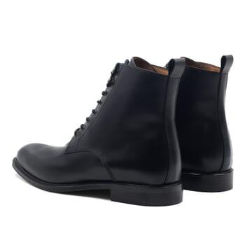 vue arrière boots à lacets cuir noir jules & jenn