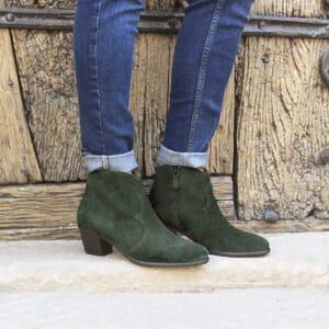 vue portée bottines cowboy cuir daim vert jules & jenn