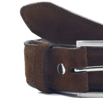 gros plan ceinture classique cuir daim marron jules & jenn