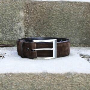 vue posée vue face ceinture classique cuir daim marron jules & jenn