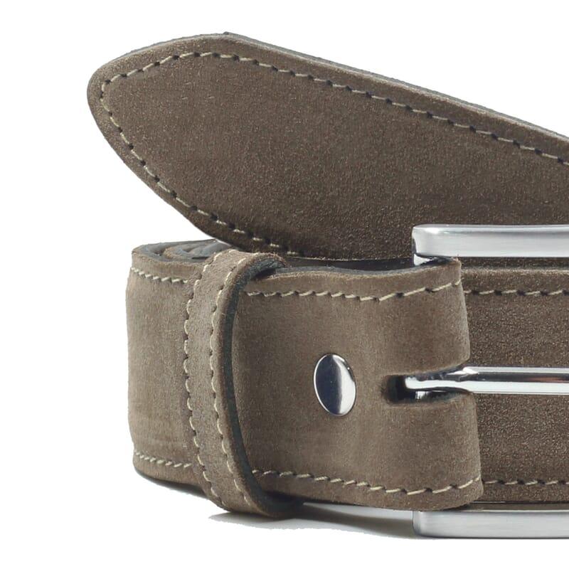 gros plan ceinture classique cuir daim taupe jules & jenn