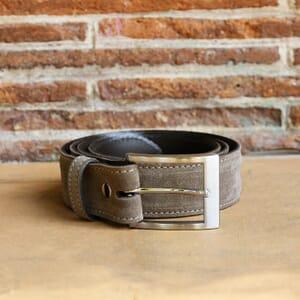 vue posée ceinture classique cuir daim taupe jules & jenn