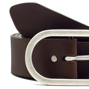 gros plan ceinture large cuir marron JULES & JENN