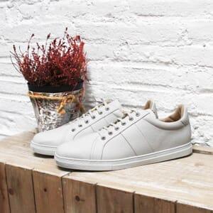 vue posée baskets made in france cuir grainé blanc JULES & JENN