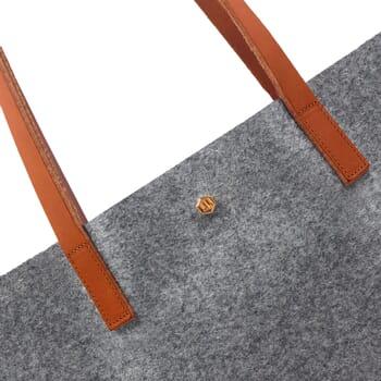 gros plan sac cabas ultra-fin drap de laine gris JULES & JENN