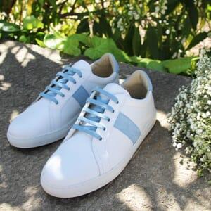 vue posee baskets made in france cuir blanc bleu clair jules & jenn