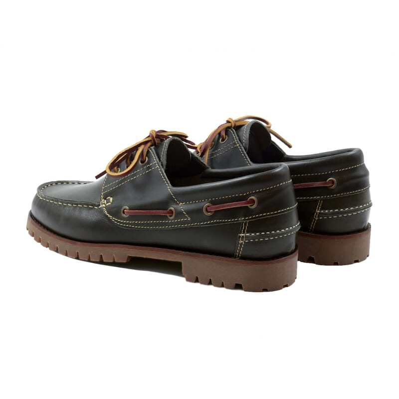 vue arrière chaussures bateau crampons cuir vert JULES & JENN