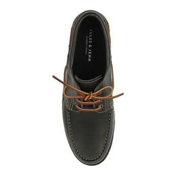 vue dessus chaussures bateau crampons cuir vert JULES & JENN