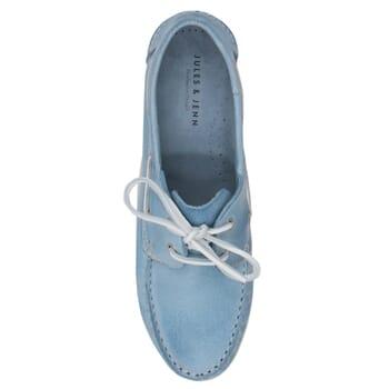 vue dessus chaussure bateau cuir bleu clair JULES & JENN