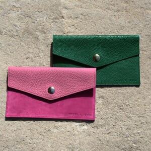 vue multi produit pochette enveloppe cuir grainé upcyclé rose jules & jenn