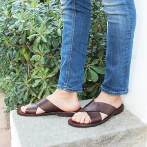 vue portee sandales croisees homme cuir marron jules & jenn