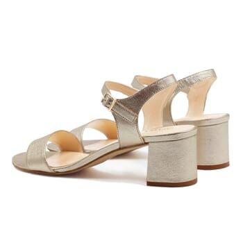 vue arriere sandales moyen talon cuir metallise dore jules & jenn
