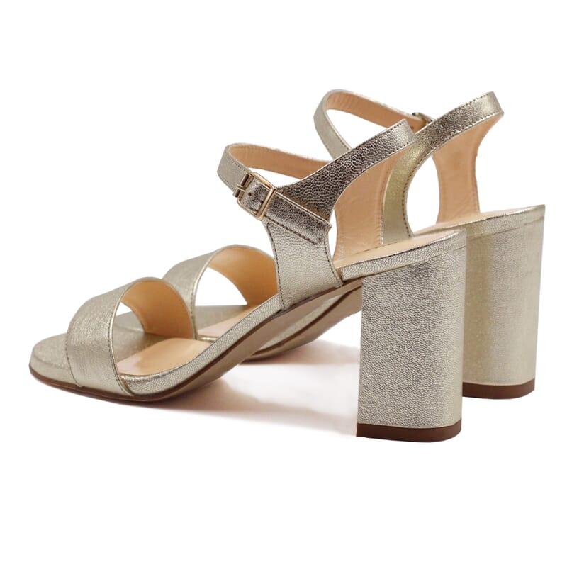 vue arrière sandales à talon cuir métallisé doré JULES & JENN