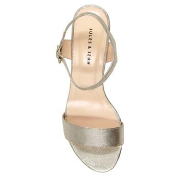 vue dessus sandales à talon cuir métallisé doré JULES & JENN