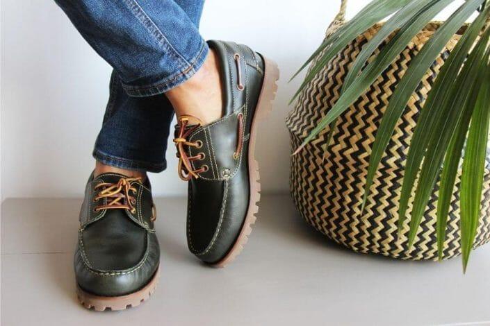 chaussures-bateau-homme-crampons-cuir-vert