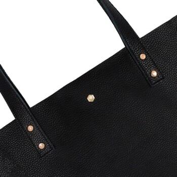 vue zoomee sac cabas plat cuir graine noir jules & jenn