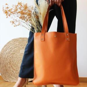 vue portee sac cabas plat cuir graine orange jules & jenn