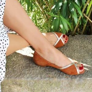 vue posee ballerines bout ouvert cuir velours camel jules & jenn