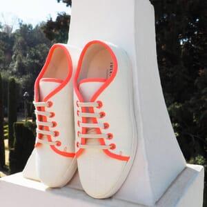 vue posee baskets lin blanc rose jules & jenn