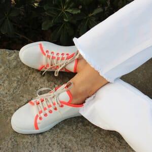 vue portee baskets lin blanc rose jules & jenn