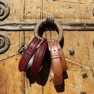vue posee ceinture classique cuir bordeaux jules & jenn