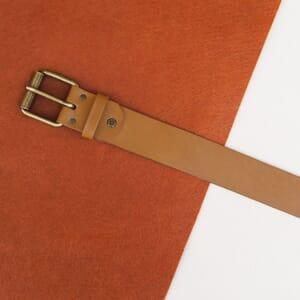 vue posee ceinture week-end cuir camel jules & jenn