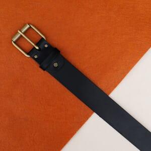 vue posee ceinture week-end cuir noir jules & jenn
